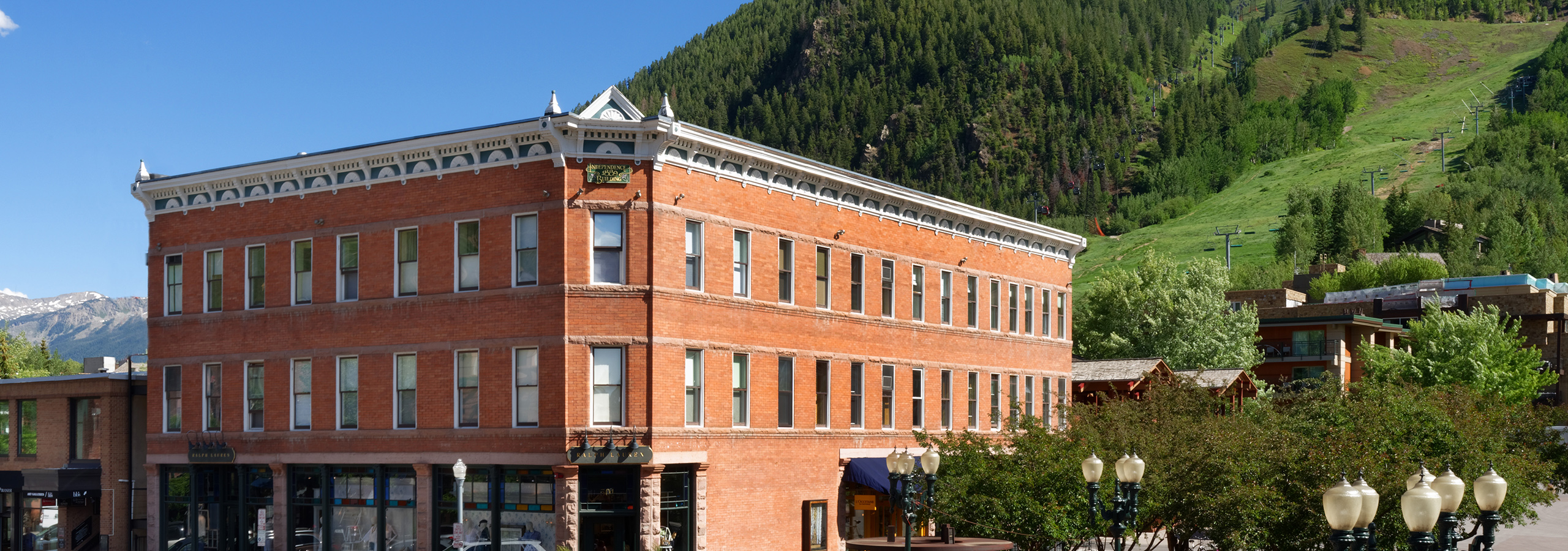 Independence Square Hotel in Downtown Aspen
