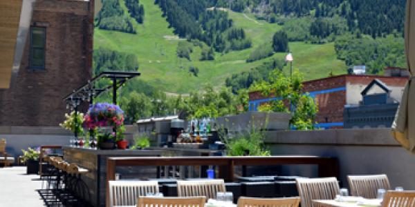 Aspen Outdoor Dining in the Summer