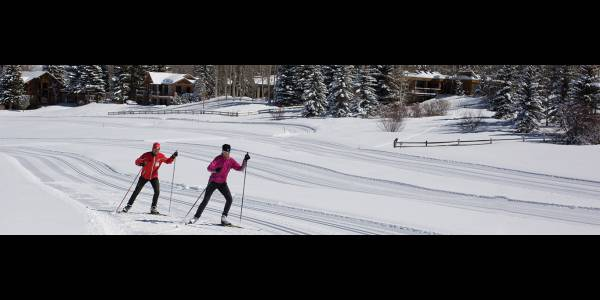 cross country skiing aspen winter activities