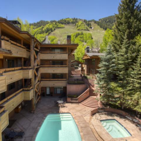 Booking an Aspen vacation rental
