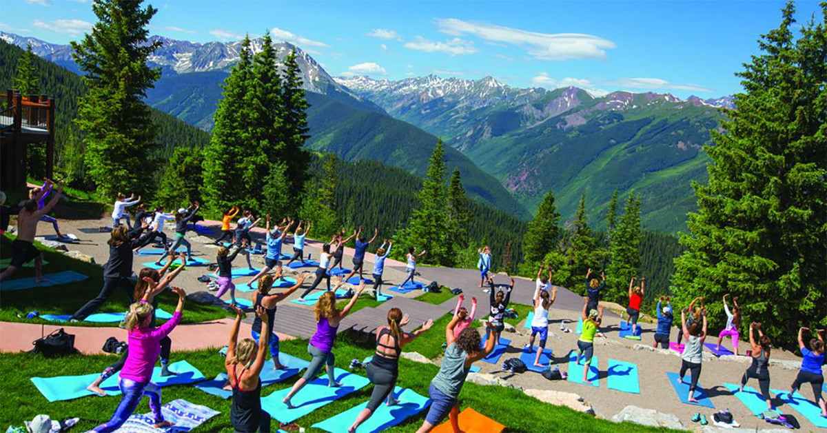 Mountaintop yoga in Aspen