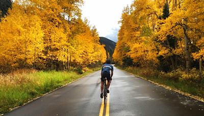 Biking to the Maroon Bells in the fall