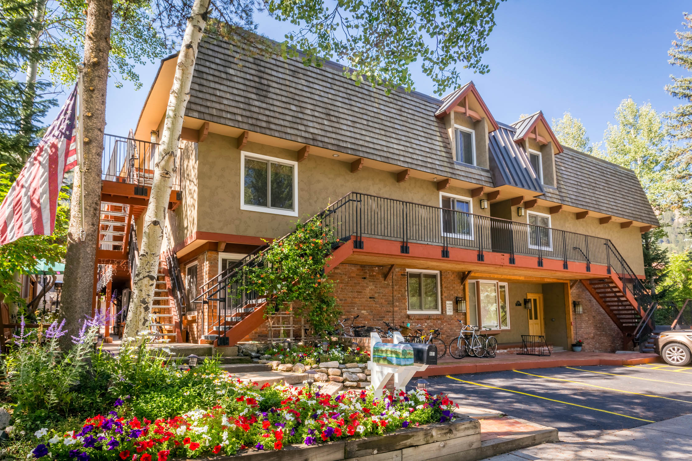 Chateau Blanc Aspen vacation rentals