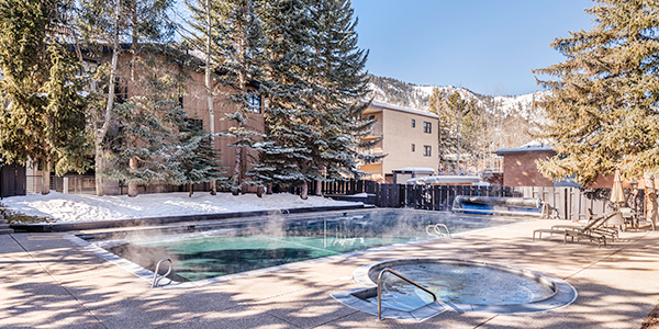 Aspen condos with hotel amenities