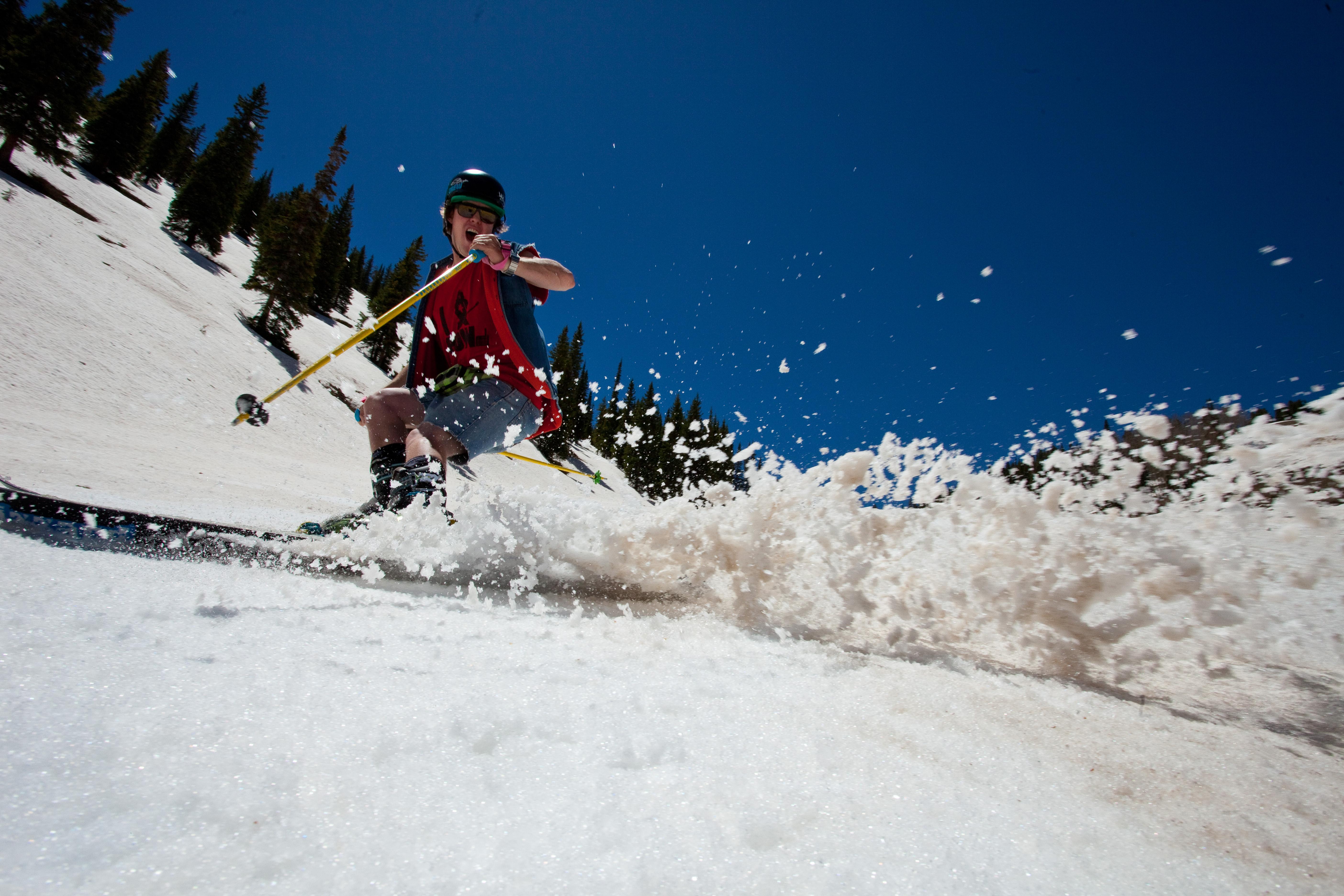 skiing in aspen slushy spring snow conditions