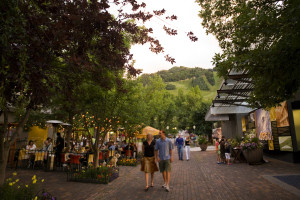 Full of shopping, culture, dining and nightlife, downtown Aspen has something for people of all ages.