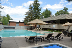 Guests of the Chateau Roaring Fork and Chateau Eau Claire will enjoy a heated outdoor pool, three hot tubs (one at the Chateau Eau Claire), a wading pool, sauna, locker rooms and workout center.