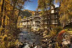 At the Chateau Roaring Fork and the Chateau Eau Claire, you'll wake up to the crackling sounds of the majestic Roaring Fork River.